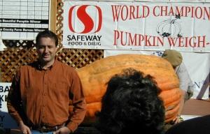 Chris and his 714 lb pumpkin