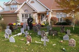 On my walks through the neighborhood I haven't seen this particular house, but other houses to sport some fun Halloween decorations.