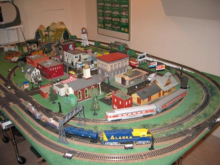 I Had A HO Train Set Much Like This Back In The Early U002760s.