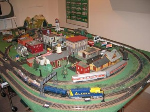 I had a HO train set much like this back in the early '60s. Dad helped me building a tabletop layout for it.