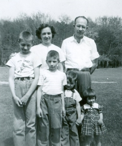 Aunt Pauline and Uncle Kenny with their four children -- David, Don, Tom and Becky -- in 1952. Kenny died young, a victim of cancer.