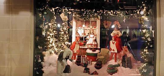 O'Neil's Christmas storefront