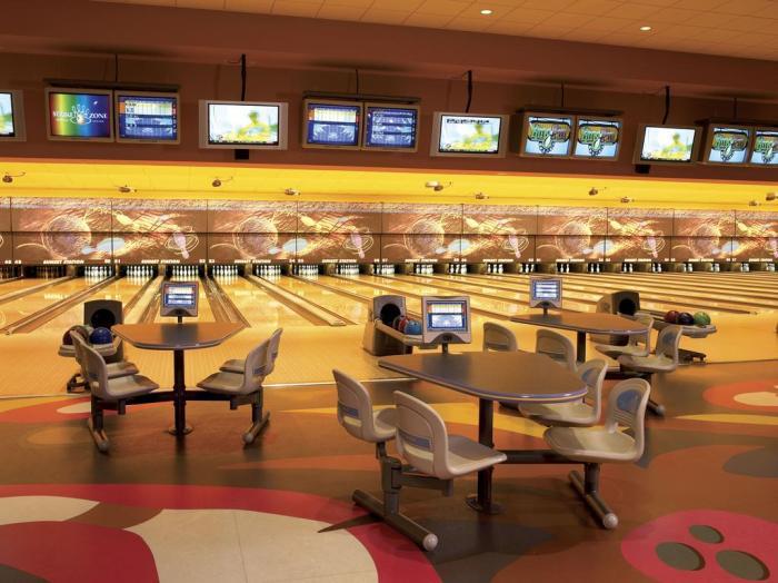 Sunset Station bowling
